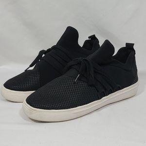 Steve Madden Lancer Sneaker Black size 6M.